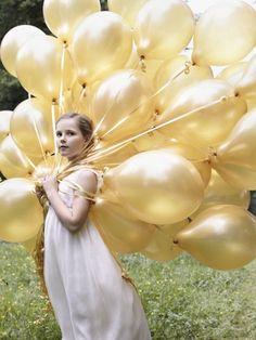 Mit deutlich mehr als zehn Luftballons posierte Ingrid Alexandra anlässlich ihres 10. Geburtstages.