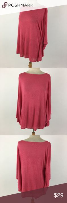 Calypso St. Barth loose flowy top Meant to be a loose, slouchy fit. Not a typical XS. Length Shoulder To Hem: 26 Bust: 43 100% linen  Item 2477 Calypso St. Barth Tops