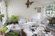 Dreaming of a country escape? Look no further than this home by Mario Buatta in Connecticut that's comfortably English with a French sophistication. Outdoor Rooms, Outdoor Furniture Sets, Sunroom Decorating, Decorating Ideas, Sunroom Ideas, Living Room Decor, Living Spaces, Mario Buatta, Porch Styles