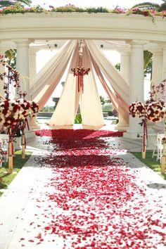 Wedding church decorations altar chandeliers for 2019 Wedding Show, Red Wedding, Perfect Wedding, Wedding Events, Wedding Stuff, Wedding Bells, Wedding Flowers, Church Wedding Decorations, Altar Decorations