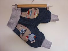 Aus großer Jeans wird kleine Jeans / Big jeans becomes small one / Upcycling