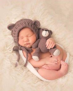 Crochet Bear and Bear Bonnet Set. Amigurumi. Bear Hat. Baby. Preemie. Newborn. Crochet Pattern