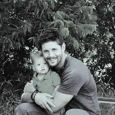 Résultats de recherche d'images pour « jensen ackles baby »