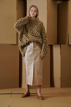 Neuen : Vika Gazinskaya Confectiekleding Herfst-Winter – Parade , – The Best Ideas Knitwear Fashion, Knit Fashion, Mode Editorials, Editorial Fashion, Fashion Trends, Casual Look, Mannequins, Pulls, Knit Dress