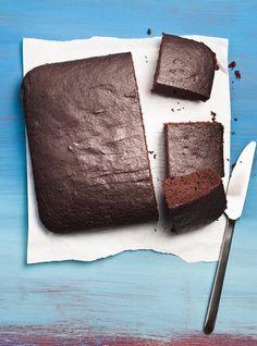 """No Dirty Dishes"" Chocolate Cake/Gâteau au chocolat sans salir un bol Baking Recipes, Cake Recipes, Dessert Recipes, Vegan Recipes, Kinds Of Desserts, No Bake Desserts, Dessert Ricardo, Chocolate Recipes, Chocolate Cake"