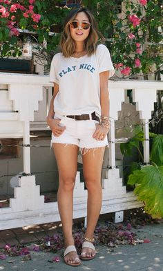 Sport Chic Summer Jeans For 2019 Chic Summer Outfits, Chic Outfits, Fashion Outfits, Outfit Summer, Fashion Ideas, Looks Style, Casual Looks, Looks Com Short, T Shirt Branca