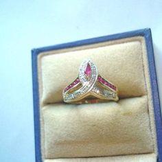 18k Yellow Gold Oval Cut 0.52ct Blue Sapphire Bezel Round Cut Diamond Ring Size 6