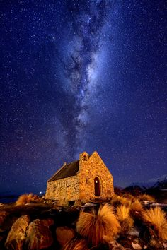 The Church of the Good Shepherd and the Milky way | Lake Tekapo, New Zealand