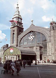 Der Hamburger Hauptbahnhof (Westausgang Glockengießerwall) während des ungarischen Staatsbesuchs am 24. 8. 1938. Foto: Walter Hollnagel