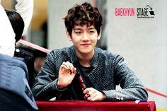 12.05.08 Fansign at Busan (Cr: baekhyun stage: byunbaekhyun.com)