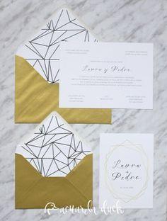 Invitación boda gold. Invitación sobre dorado. Diseño gráfico boda.