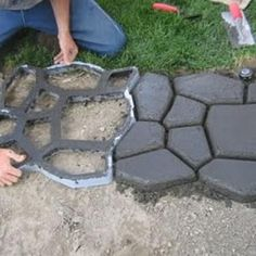 How to make A Faux Cobble Stone Path.  Click on pic and it straight to website with explain how to make