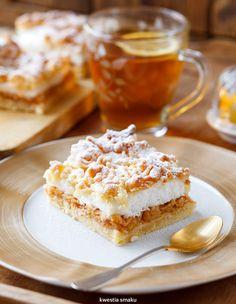 Szarlotka z bezą i kruszonką Polish Desserts, Polish Recipes, Polish Food, Dessert Drinks, Party Desserts, Cake Recipes, Dessert Recipes, Dessert Ideas, Muffins