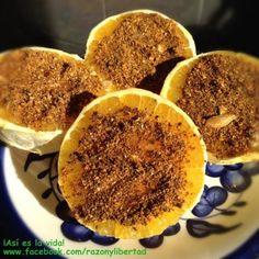 Naranjas con pepitoria, sal y chile cobanero.