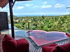Amazing balcony in honeymoon villa (127130860)