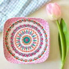 219 vind-ik-leuks, 41 reacties - Workshops haken en stippen (@sjantietop) op Instagram: '. Het bordje dat ik afgelopen donderdag stipte bij de superleuke workshop van Nienke @stipstijl .…' Mandala Painting, Dot Painting, Mandala Art, Latest Henna Designs, Tole Decorative Paintings, Stippling Art, 22 November, Pottery Painting, Ceramic Art
