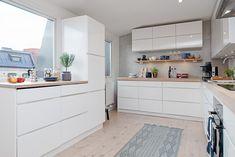 valkoinen keittiö tammitaso - Google-haku