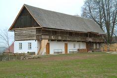 Truskavna - Severní Čechy Vernacular Architecture, Home Fashion, Traditional House, Czech Republic, Cottage, Cabin, House Styles, Places, Folk