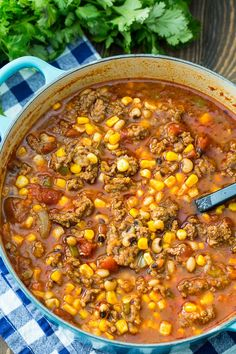 Black-Eyed Pea and Sausage Chili is a hearty and meaty southern chili filled with black-eyed peas, corn, tomatoes, ground beef, and Italian sausage. Serve with cornbread for a filling cold weather meal. Beef Chili Recipe, Chilli Recipes, Pea Recipes, Soup Recipes, Cooking Recipes, Ground Beef Chili, Soup With Ground Beef, Ground Beef Recipes, Black Eyed Pea Soup