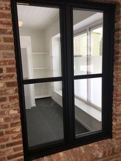 Aluminium steel look. Window Frames, House Design, Windows, Design Ideas, Doors, Glass House, Kitchens, Living Room Ideas, Architecture Design