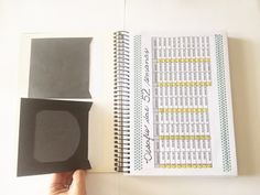 Bullet journal financeiro: faça o seu! - Patricia Lages - Bolsa Blindada Bullet Journal, Office Supplies, Notebook, Organization, Gisele, Planners, Money Saving Tips, Financial Planning, Budget Planner
