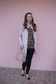 cute fall winter outfits how to wear leopard pink leather leggings