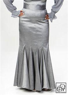 tulip flare pencil skirt www.tawnihaynes.com