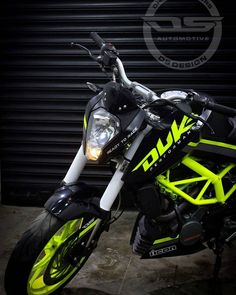 New KTM Duke 200 modified & Black-Fluorescent Green 2017 & ModifiedX New KTM Duke 200 [& The post New KTM Duke 200 modified & Black-Fluorescent Green 2017 & ModifiedX appeared first on Trending Hair styles. Duke Motorcycle, Duke Bike, Motorcycle Types, Ktm 200, Ktm Duke 200, Biker Photoshoot, Royal Enfield Wallpapers, New Ktm, Ktm Motorcycles