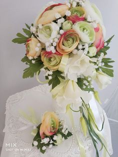 Svatební kytice z umělých květin Floral Wreath, Wreaths, Table Decorations, Home Decor, Floral Crown, Decoration Home, Door Wreaths, Room Decor, Deco Mesh Wreaths