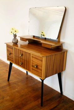 Mid-century furniture is stylish, elegant and great for modern and retro décor. Every girl needs a place to enjoy her look, to do make up and hair, a Decor, Mid Century Modern Decor, Retro Furniture, Mid Century Furniture, Furniture, Home Furniture, Cool Furniture, Home Decor, Mid Century Dressing Table