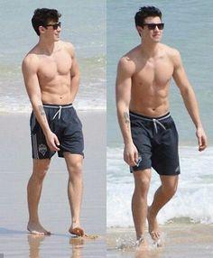 Shawn Mendes shirtless