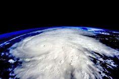 Le Mexique frappé par l'ouragan le plus puissant de son histoire Check more at http://info.webissimo.biz/le-mexique-frappe-par-louragan-le-plus-puissant-de-son-histoire/