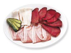 DELICATI ED AFFETTATI  Lardo al Rosmarino, Pancetta Stufata e Bresaola di Manzo, per chi apprezza un piatto freddo, gustoso e leggero.
