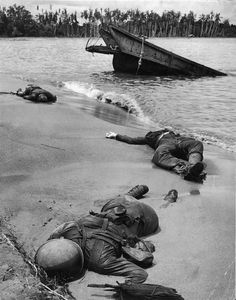 Rare photos from World War II! Here are photos of soldiers from World War countries involved in and pictures of women and children from WWII Rare Historical Photos, Rare Photos, Us Marines, Life Magazine, Magazine Photos, Ww2 Pictures, Ww2 Photos, History Photos, Life Pictures
