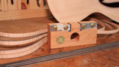 How to properly use a veneer thicknessing tool for guitar making to help improve the consistency and quality of guitar binding work, miter joints, and more. Guitar Shop, Box Guitar, Guitar Tips, Electric Violin, Guitar Building, Custom Guitars, Cool Tools, Woodworking Tools, Making Tools