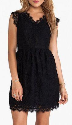 Black Sleeveless Pleated Dress
