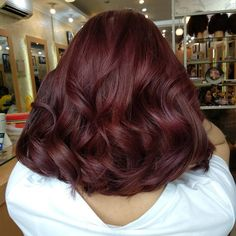 Mahogany Hair Color Ideas with Various Shades and Highlights Mahagoni Haarfarbe Ideen mit ve Bright Red Hair, Dark Red Hair, Brown Blonde Hair, Burgundy Hair, Hair Color Dark, Brown Hair Colors, Brown Hair With Red, Cherry Brown Hair, Cherry Hair Colors