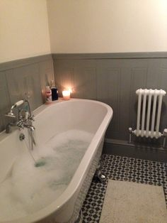 freestanding bath against wall - victorian style bathroom Lovely, but cleaning underneath?