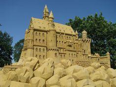 Cada año, se lleva a cabo una de las competiciones más prestigiosas de escultura de arena en Scheveningen