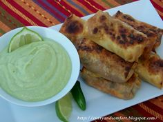 Egg roll with avocado dip