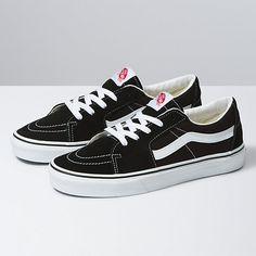 Vans Sk8 Low, Low Top Vans, Cute Vans, Tenis Vans, Vans Store, Nyc Life, Black Vans, Sneaker Boots, Skate Shoes