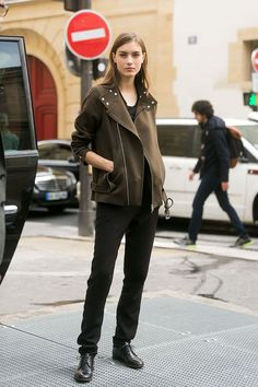 #RonjaFurrer oozing cool #offduty in Milan.