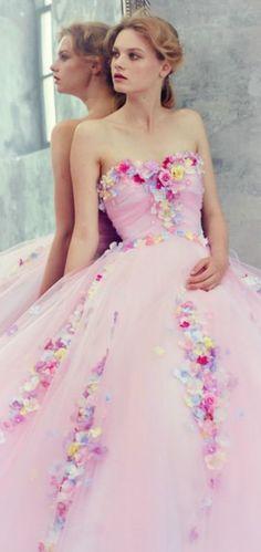 Yumi Katsura ~ Debbie Orcutt ❤ via @jinab. #gowns #floral