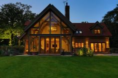 A traditional one and a half storey oak framed house Oak Frame House, A Frame Cabin, Oak Framed Extensions, House Extensions, Timber Frame Homes, Timber House, Dream House Exterior, Pause, House Goals