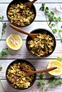 Leftover Chapati Poha/Puffed Rice - Cookilicious - Leftover Chapati Poha/Puffed Rice is a great way to use leftover chapatis/roti. Cooked like regular poha, this tasty appetizer is crispy, crunchy & flavorful.