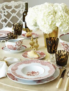 our coralina fine china collection. for the perfect host. http://www.oscardelarenta.com/house-home/fine-china