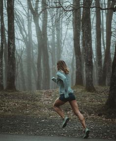 ______ Fitness Motivation ______ Deimera, female fitness enthusiast / running, road cycling and general workout Running Inspiration, Fitness Inspiration, Triathlon, Pilates, Running Photos, Estilo Fitness, Sport Outfit, Sport Fitness, Fitness Trail