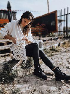 Torebka dziergana na szydełku z bawełnianym woreczkiem przypinanym wewnątrz. Hipster, Chic, Crochet, Bags, Style, Fashion, Shabby Chic, Handbags, Swag