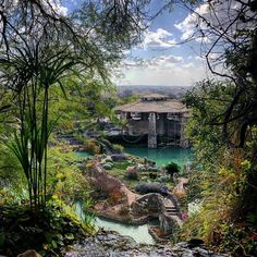 30 Surreal Places in San Antonio You Won't Believe Really Exist - - The wonders of Alamo City. Texas Vacations, Vacation Places, Dream Vacations, Vacation Spots, Places To Travel, Cheap Beach Vacations Usa, Vacation Ideas, Texas Travel, Travel Usa
