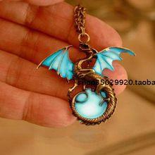 Стиль южная корея панк светящийся дракон кулон ожерелье европейский и америка панк ветер человека ожерелье(China (Mainland))
